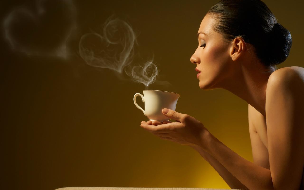 Картинки женщины с кружкой чая